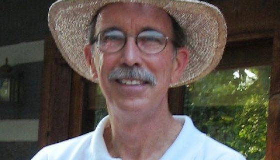 tom_straw-hat