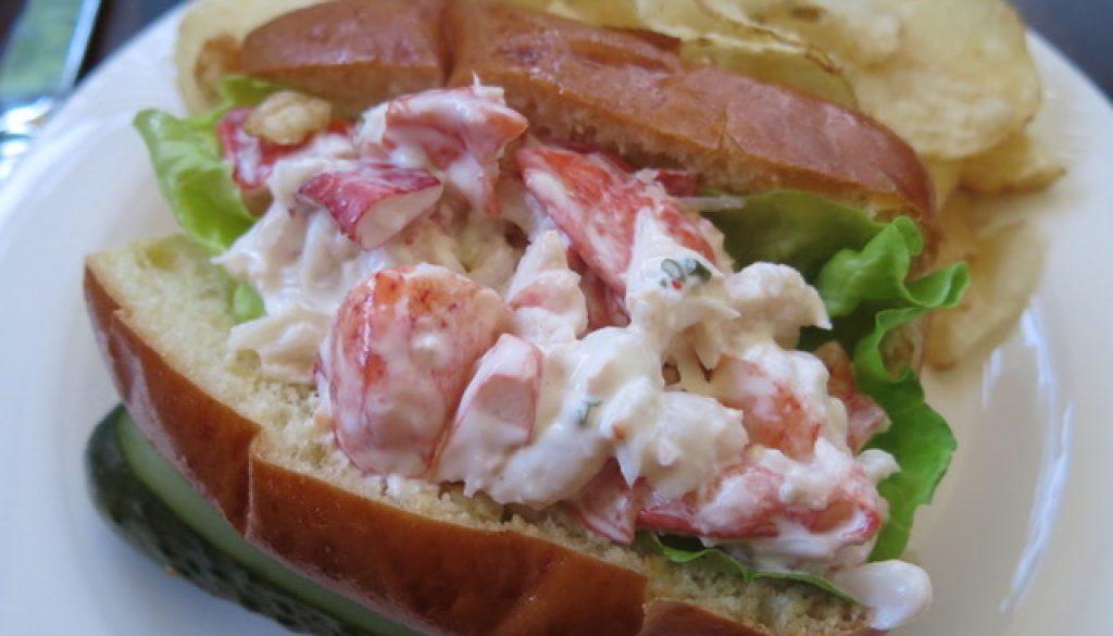MG Lobster Roll'