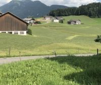 People -- Max Hartshorne Visits Scenic Austria Without Crowds
