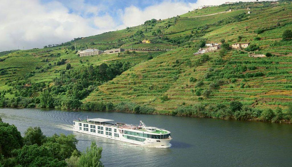 scenic azure duoro river